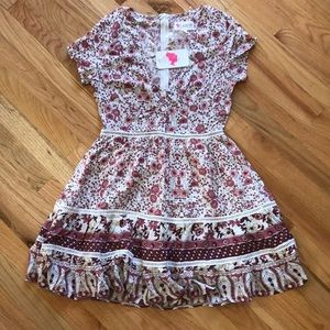 NWT VICI THE LITTLE THINGS FLORAL BABYDOLL DRESS